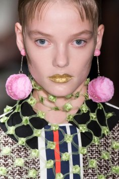 Prada-spring-2016-runway-beauty-fashion-show-the-impression-064