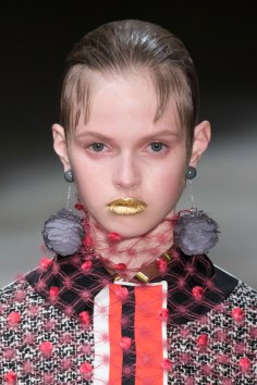 Prada-spring-2016-runway-beauty-fashion-show-the-impression-068