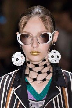 Prada-spring-2016-runway-beauty-fashion-show-the-impression-097