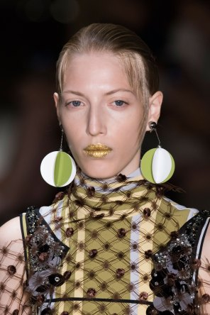 Prada-spring-2016-runway-beauty-fashion-show-the-impression-104