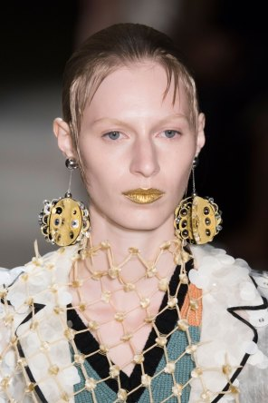 Prada-spring-2016-runway-beauty-fashion-show-the-impression-139