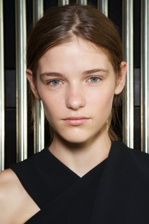Preen-by-Thornton-Bregazzi-beauty-spring-2016-fashion-show-the-impression-002