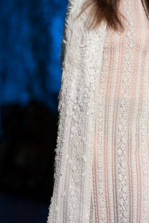 RALPH-and-RUSSO-close-ups-fall-2015-couture-the-impression-016