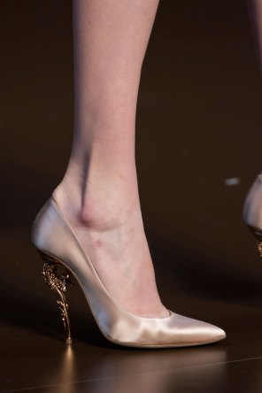 RALPH-and-RUSSO-close-ups-fall-2015-couture-the-impression-021