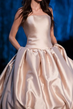 RALPH-and-RUSSO-close-ups-fall-2015-couture-the-impression-022