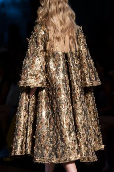 RALPH-and-RUSSO-close-ups-fall-2015-couture-the-impression-067