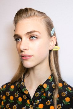 Roberto-Cavalli-Backstage-beauty-spring-2016-close-up-fashion-show-the-impression-014