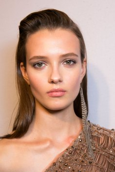 Roberto-Cavalli-Backstage-beauty-spring-2016-close-up-fashion-show-the-impression-038