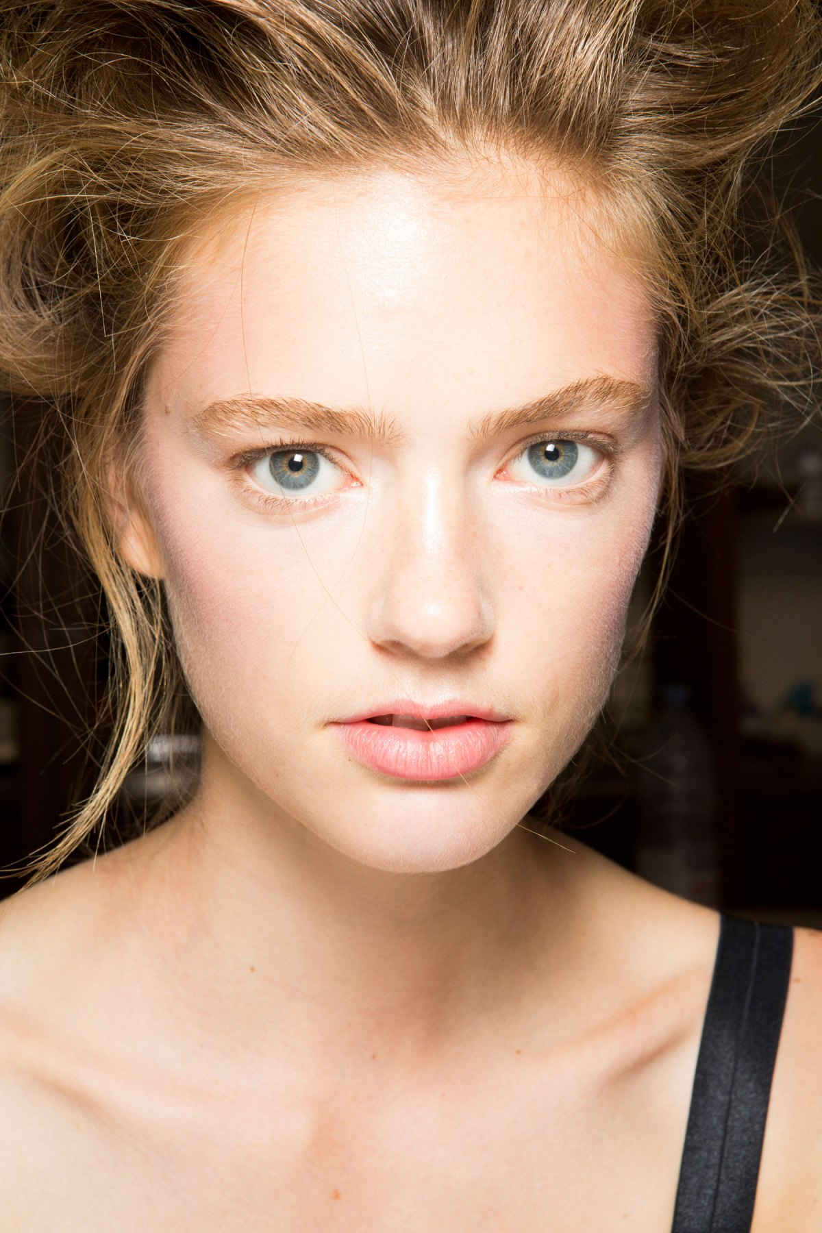 SIMONE-ROCHA-beauty-spring-2016-fashion-show-the-impression-050
