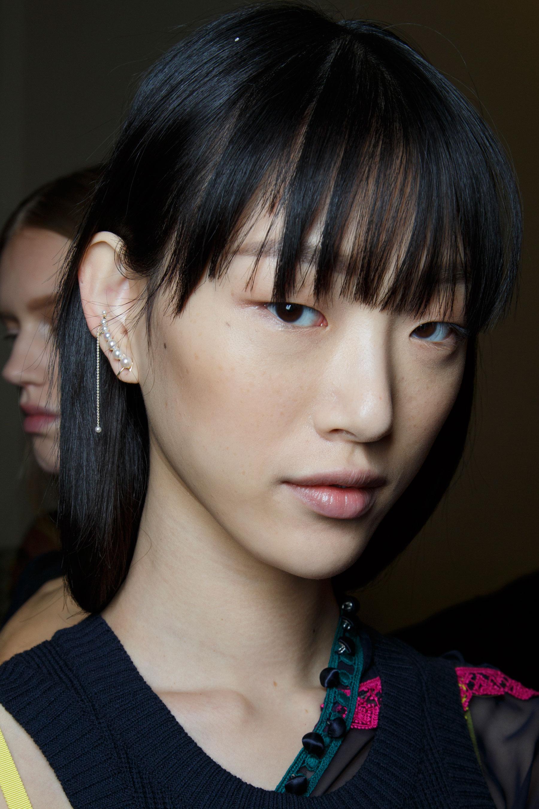 Sacai-spring-2016-beauty-fashion-show-the-impression-40