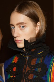 Sacai-spring-2016-beauty-fashion-show-the-impression-79