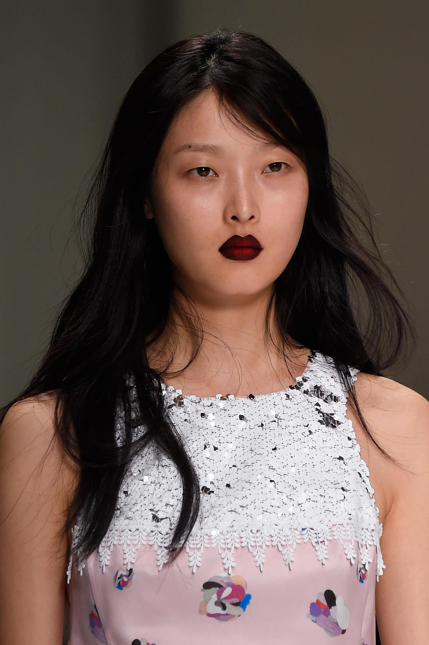 Shiatzy-Chen-spring-2016-runway-beauty-fashion-show-the-impression-26