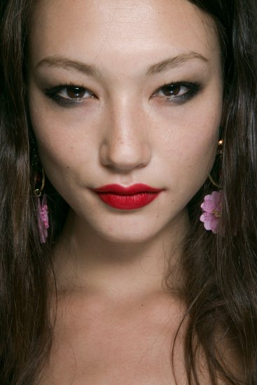 Topshop-Unique-beauty-spring-2016-fashion-show-the-impression-023