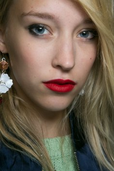 Topshop-Unique-beauty-spring-2016-fashion-show-the-impression-037