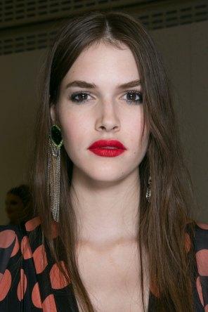 Topshop-Unique-beauty-spring-2016-fashion-show-the-impression-041