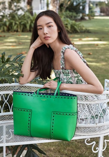 Tory-Burch-spring-2017-ad-campaing-the-impression-17