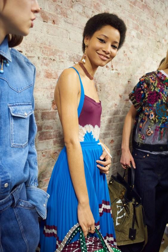 Valentino-resort-2018-backstage-fashion-show-the-impression-018