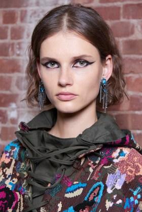 Valentino-resort-2018-beauty-fashion-show-the-impression-29