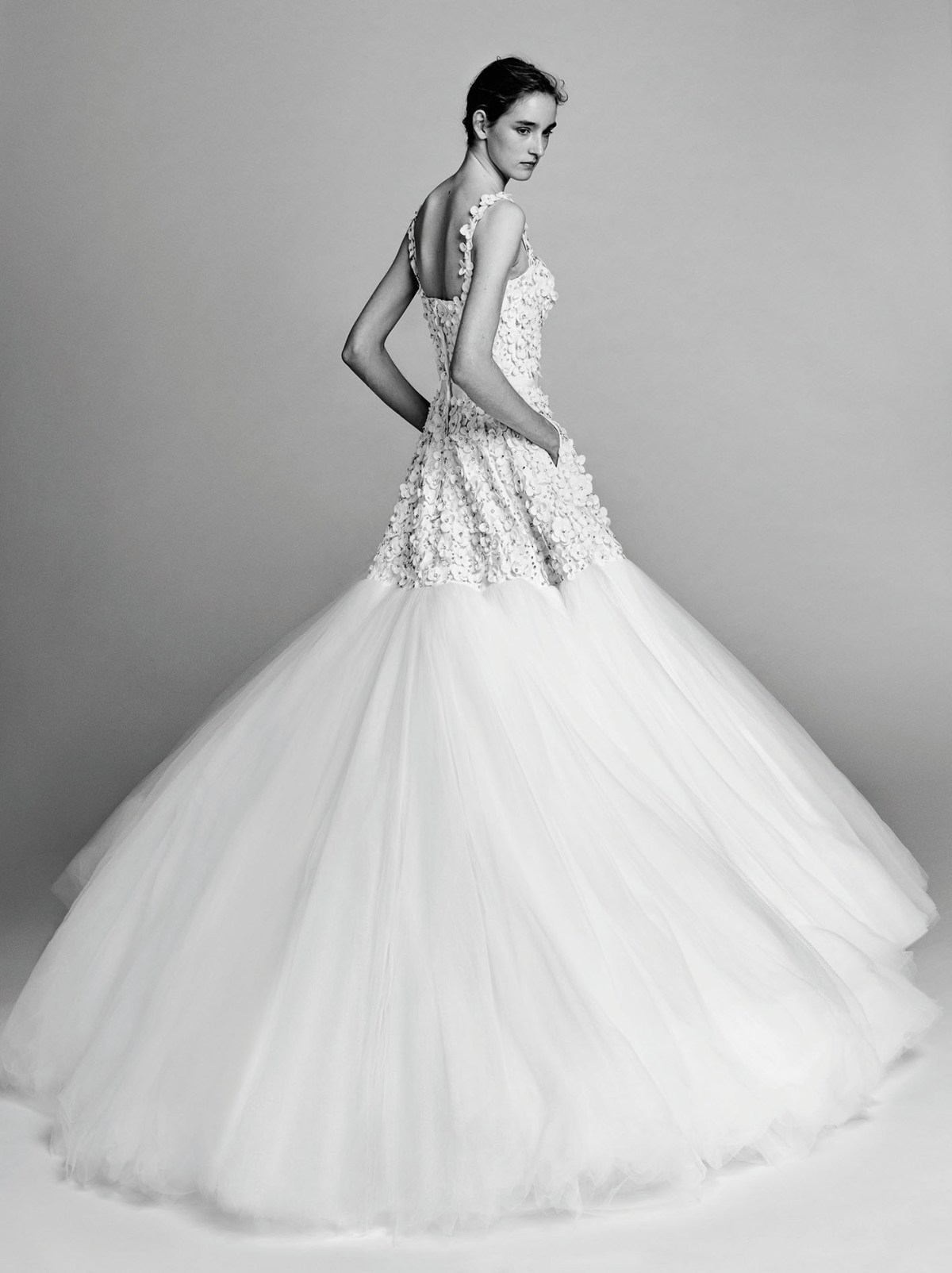 Victor-and-Rolf-fall-2017-bridal-fashion-show-the-impression-13
