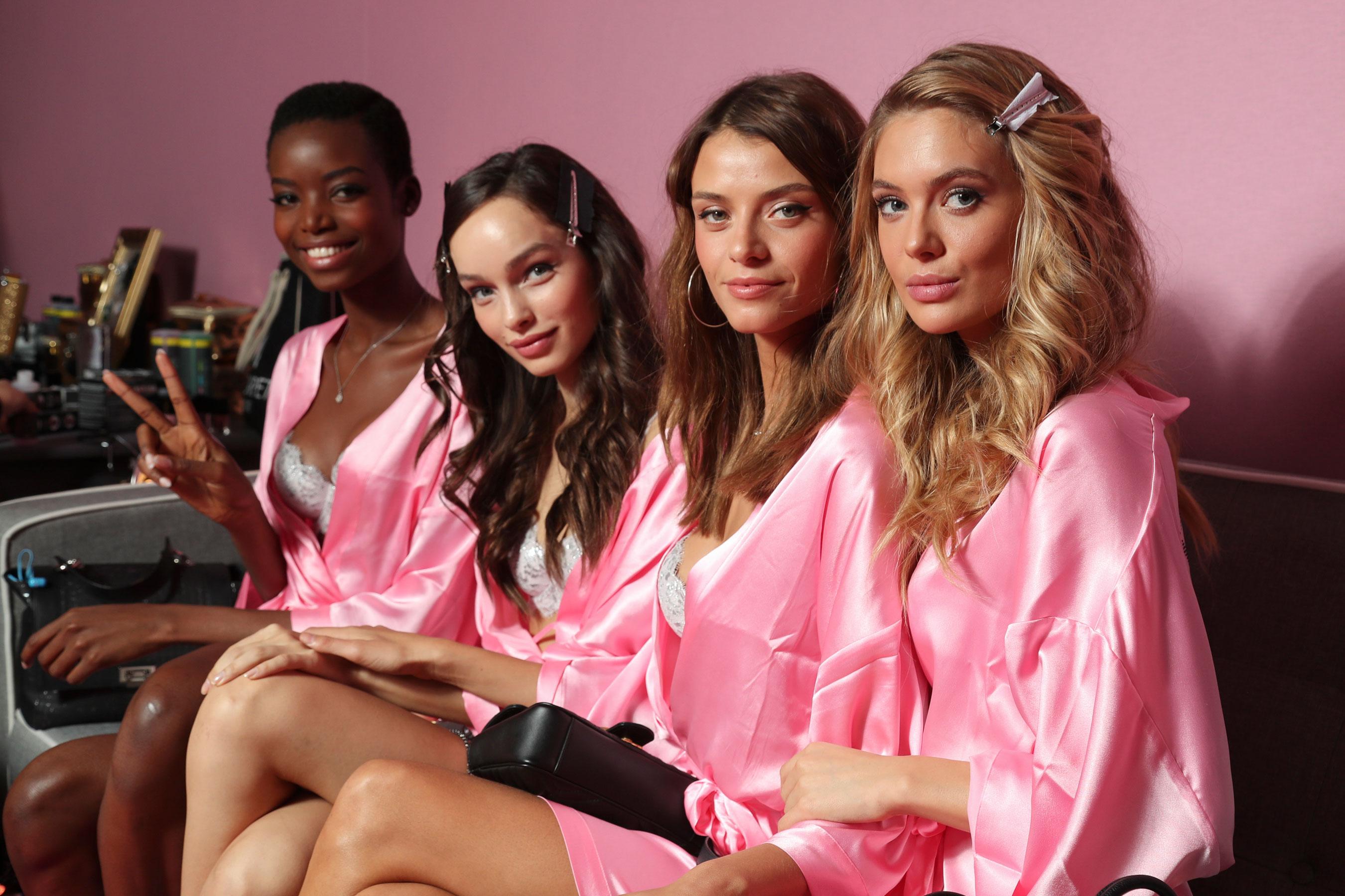 Victorias-Secret-bks-RS17-0239