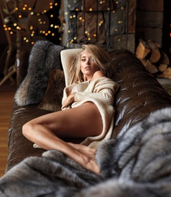 Victorias-Secret-holiday-2017-ad-campaign-the-impression-09
