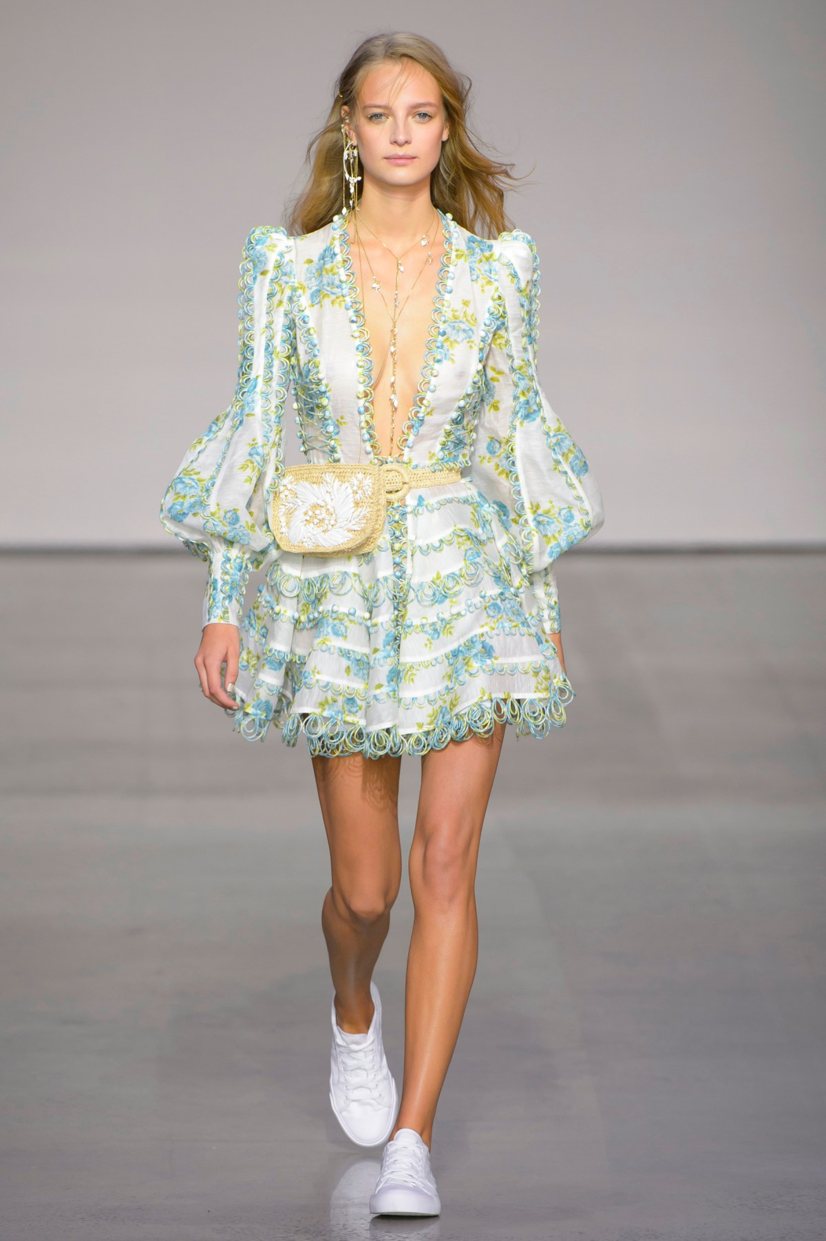 a1e94b4dfdd ZIMMERMANN Resort RTW 18 Painted Heart Runway · Zimmermann Spring 2018  Fashion Show The Impression