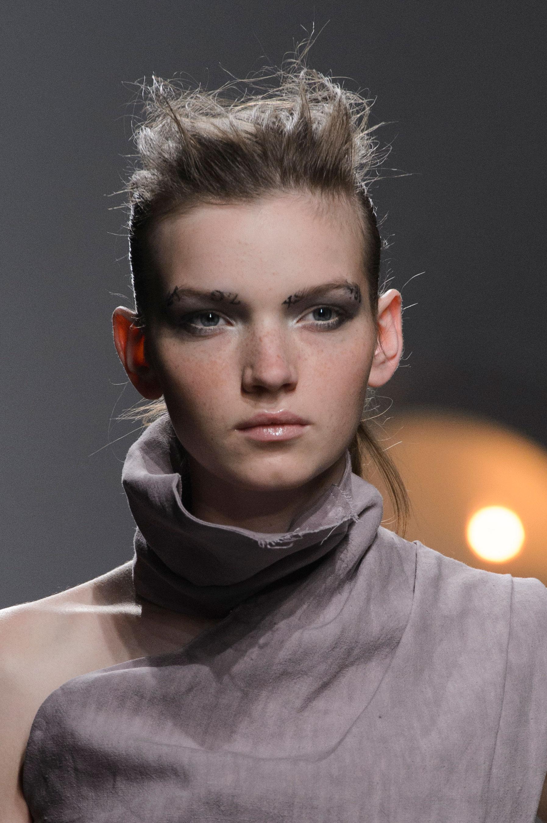 aganovich-spring-2016-runway-beauty-fashion-show-the-impression-07