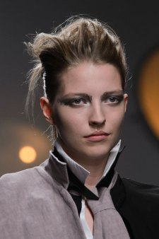 aganovich-spring-2016-runway-beauty-fashion-show-the-impression-11