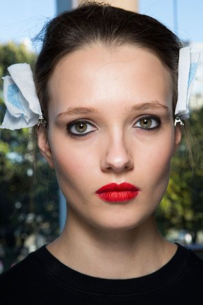 anthony-vaccarello-spring-2016-beauty-fashion-show-the-impression-01