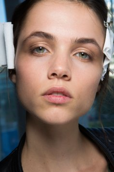 anthony-vaccarello-spring-2016-beauty-fashion-show-the-impression-17