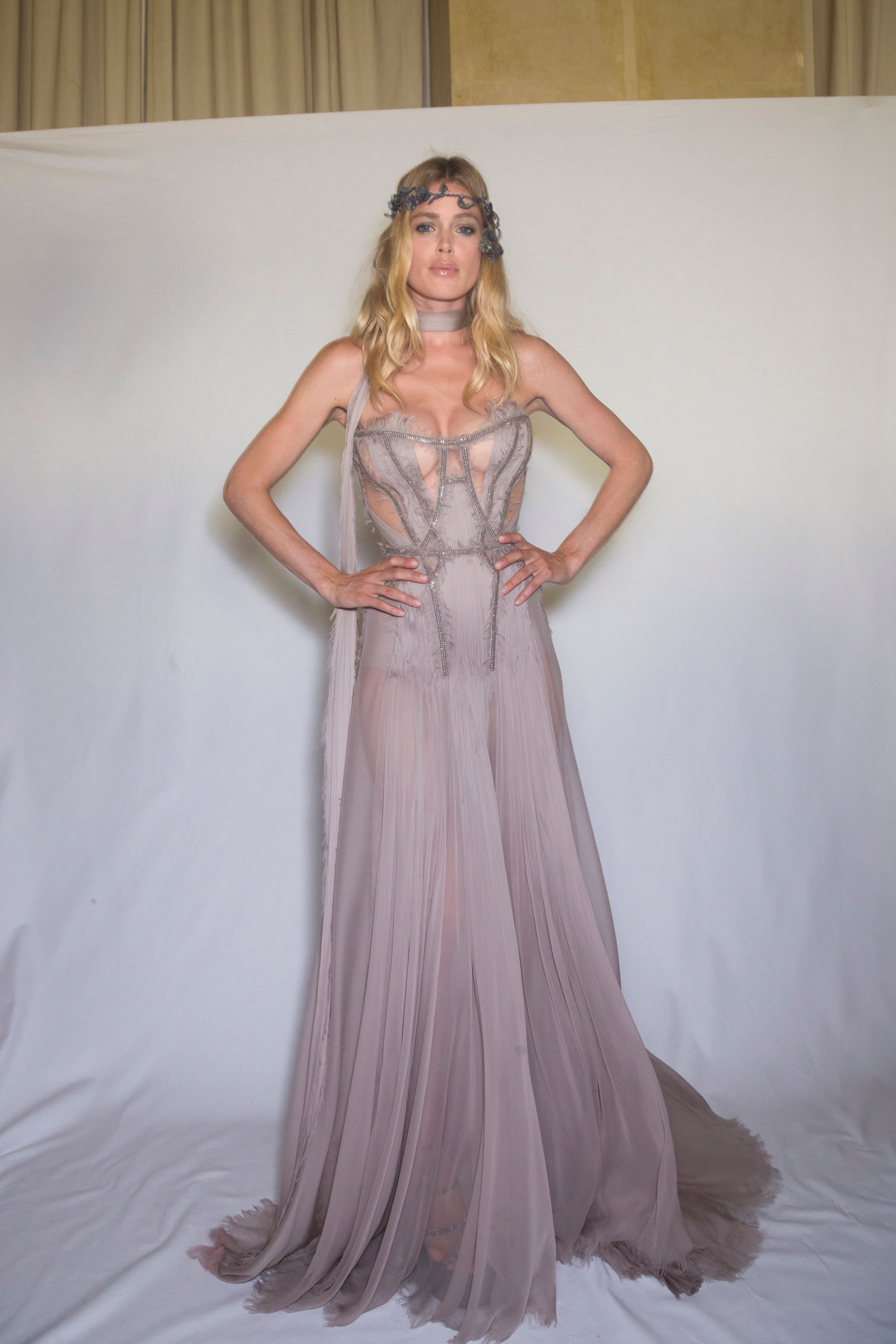 atelier-versace-backstage-fall-2015-couture-the-impression-103