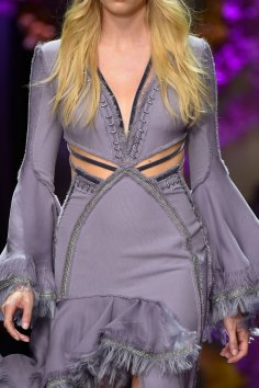 atelier-versace-close-ups-fall-2015-couture-the-impression-002