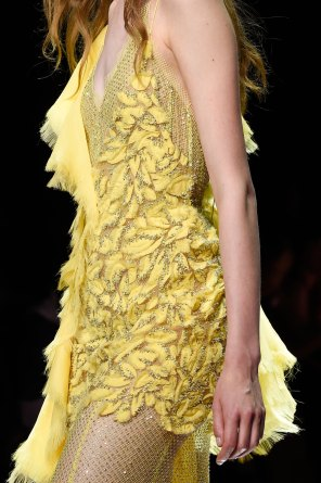 atelier-versace-close-ups-fall-2015-couture-the-impression-042