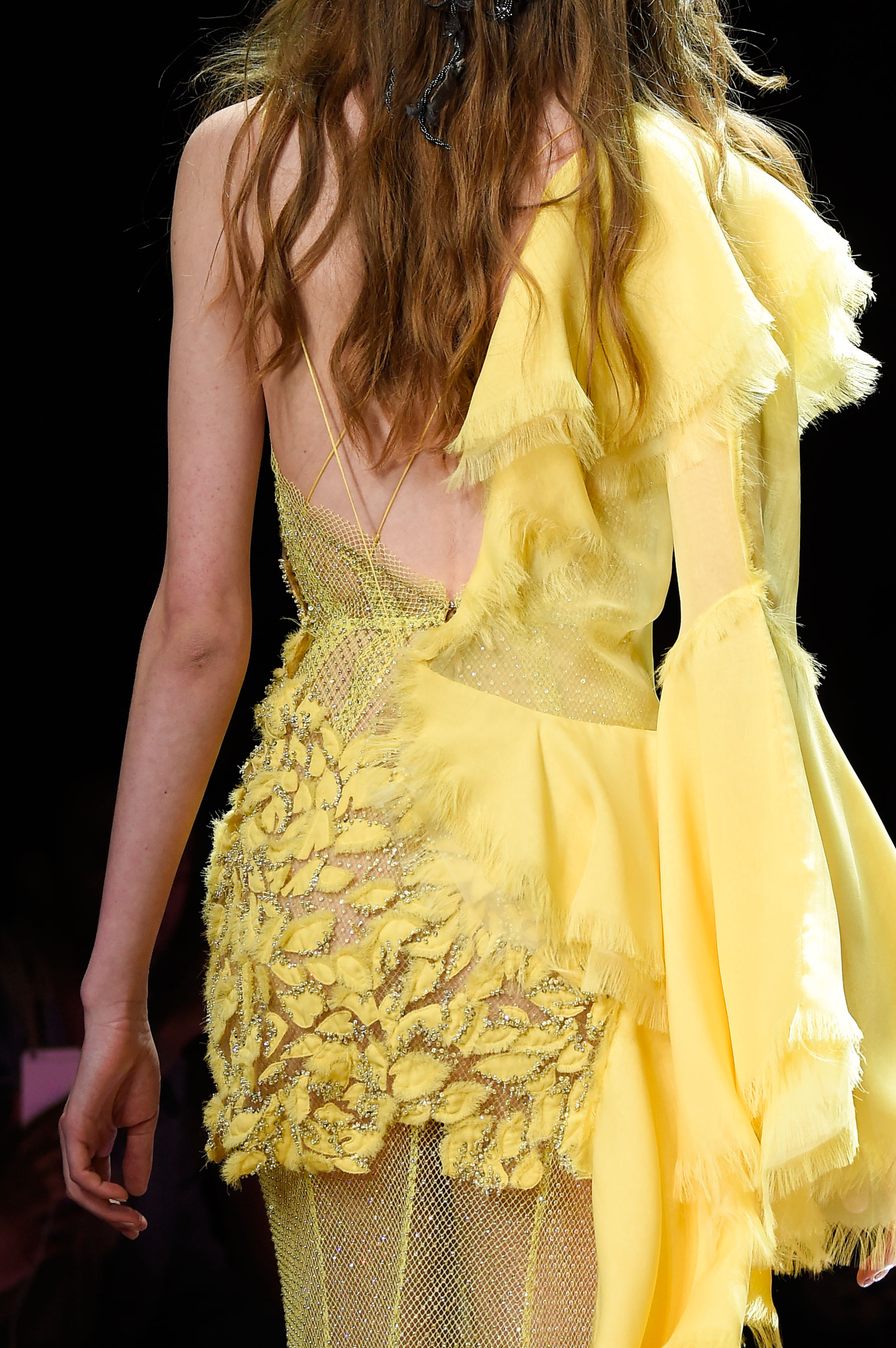 atelier-versace-close-ups-fall-2015-couture-the-impression-043