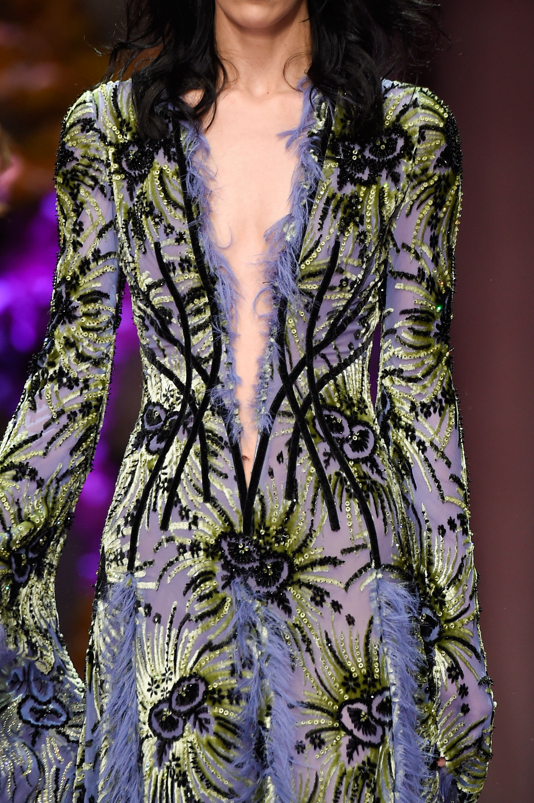 atelier-versace-close-ups-fall-2015-couture-the-impression-056