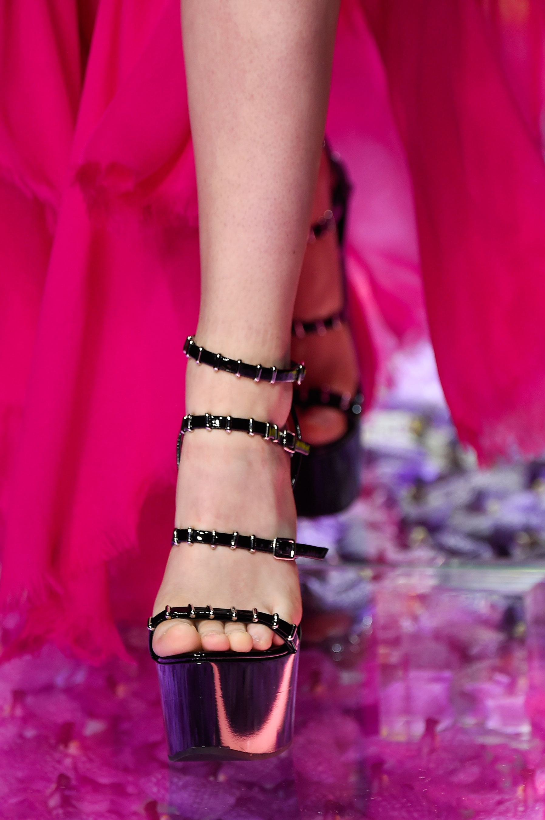 atelier-versace-close-ups-fall-2015-couture-the-impression-070