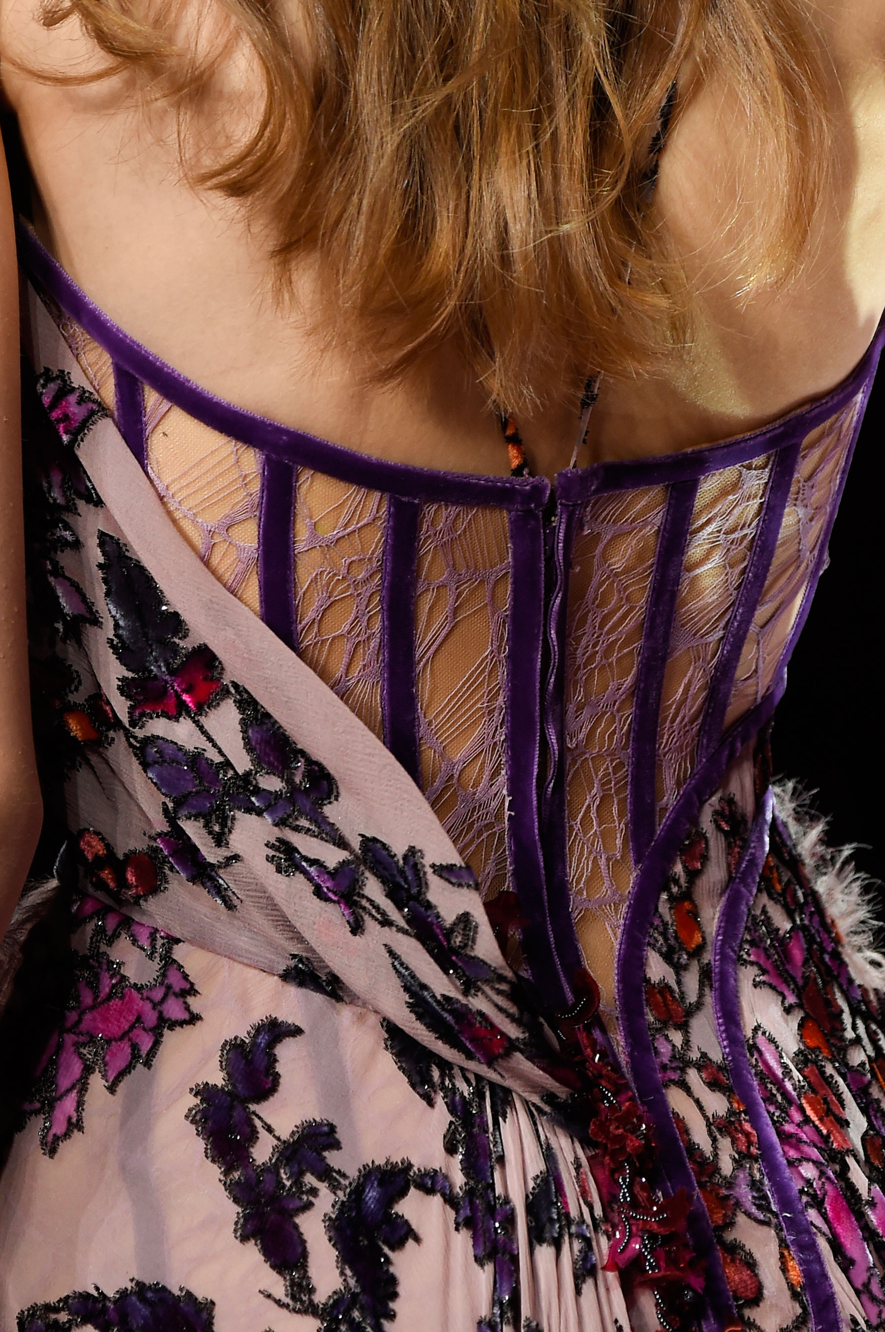 atelier-versace-close-ups-fall-2015-couture-the-impression-103