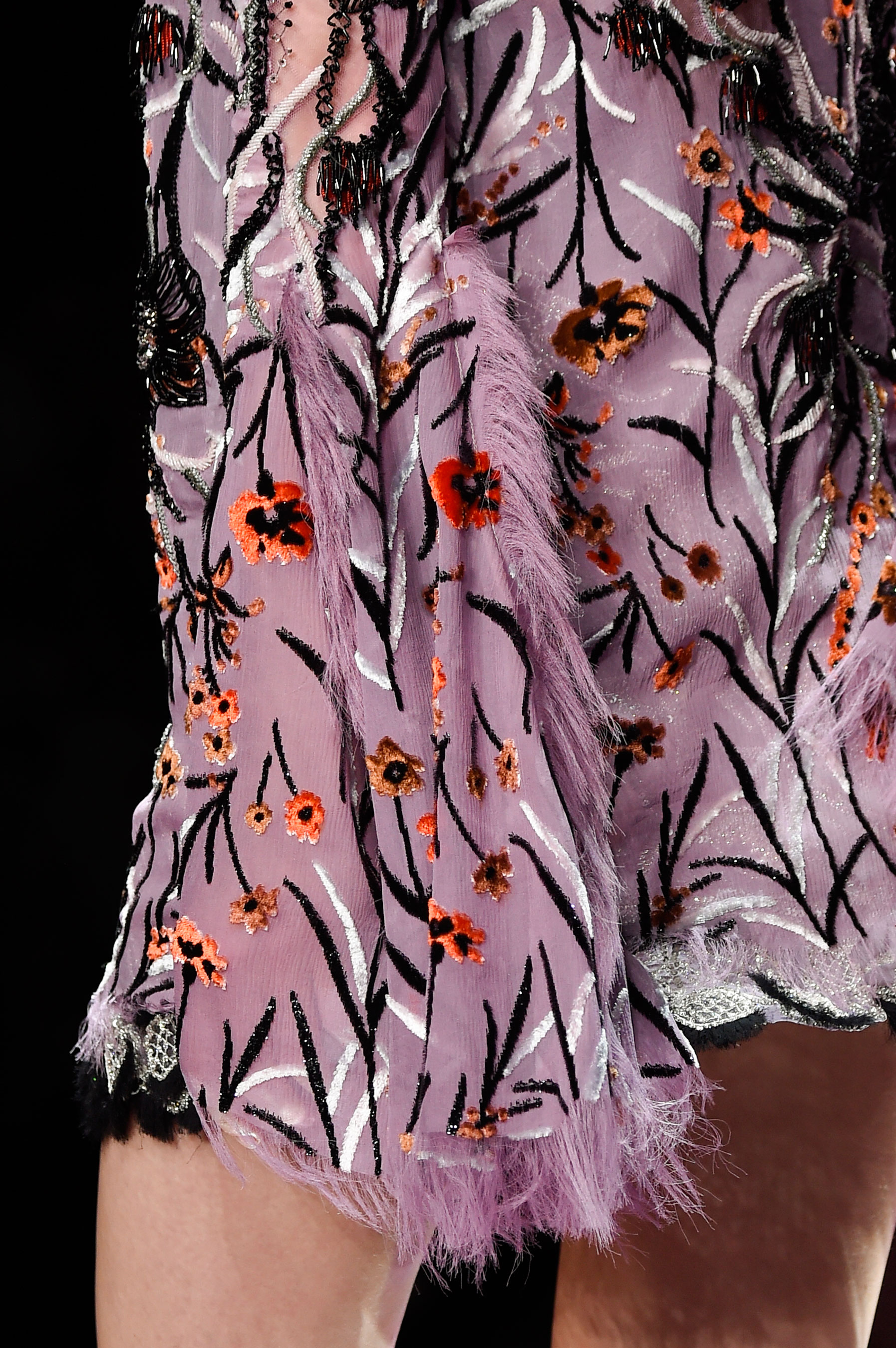 atelier-versace-close-ups-fall-2015-couture-the-impression-108