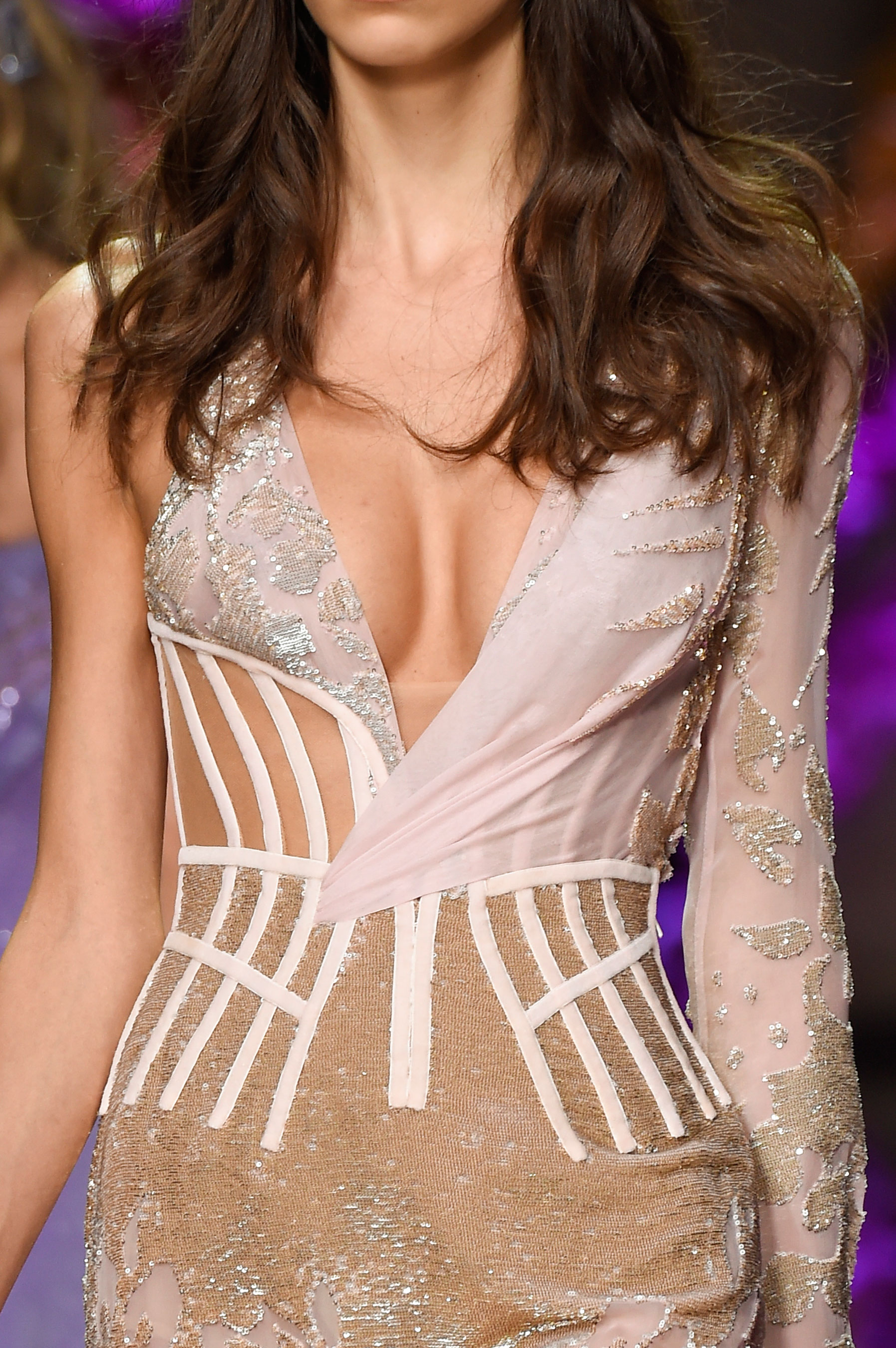 atelier-versace-close-ups-fall-2015-couture-the-impression-123
