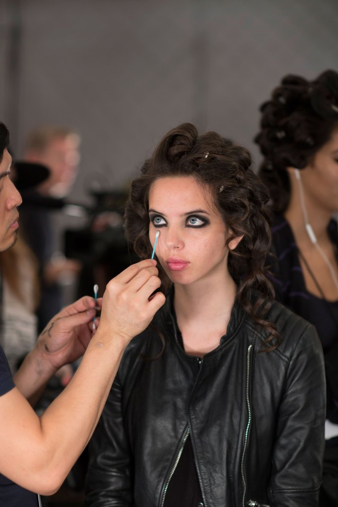 betsey-johnson-beauty-backstage-spring-2016-fashion-show-the-impression-06