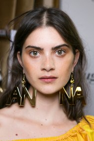 blugirl-spring-2016-beauty-fashion-show-the-impression-04