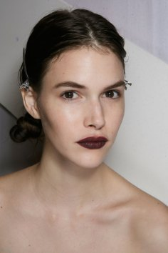 burberry-spring-2016-beauty-fashion-show-the-impression-05