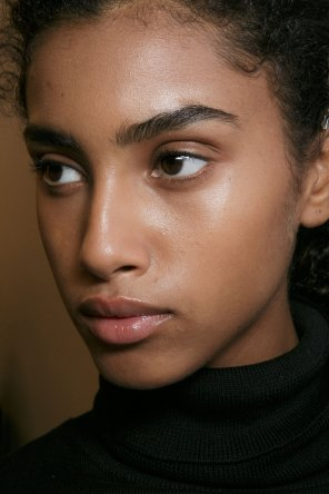 burberry-spring-2016-beauty-fashion-show-the-impression-21