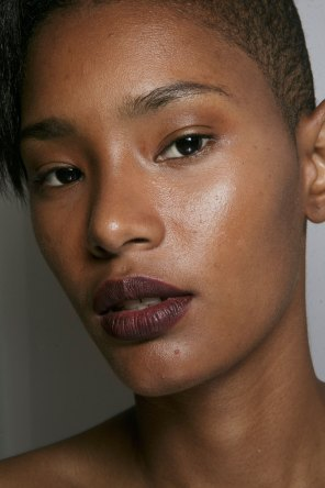 burberry-spring-2016-beauty-fashion-show-the-impression-29