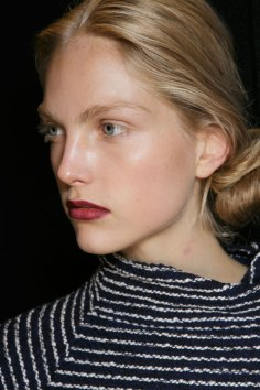 burberry-spring-2016-beauty-fashion-show-the-impression-35