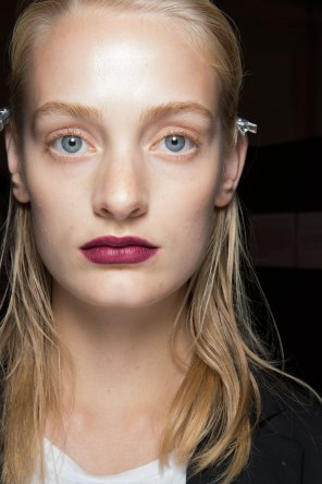 burberry-spring-2016-beauty-fashion-show-the-impression-46