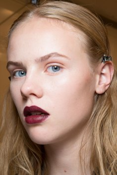 burberry-spring-2016-beauty-fashion-show-the-impression-54