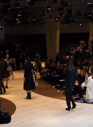 Céline Fall 2017 Fashion Show Atmosphere Cont.