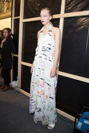 chalayan-spring-2016-backstage-fashion-show-the-impression-28