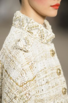 chanel-close-ups-fall-2015-couture-show-the-impression-069
